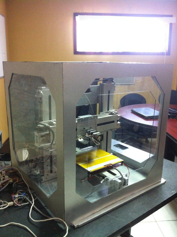 Vista de perfil de la impresora 3D